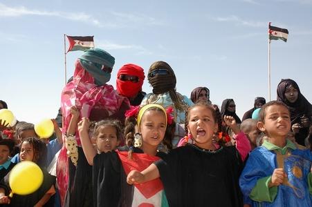niños en desfile